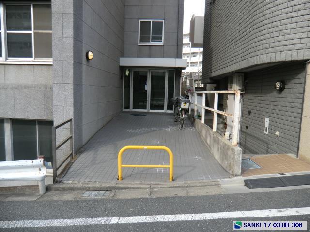 駅徒歩4分 2階部分間仕切り...